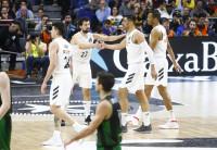 El Real Madrid arrolla al Joventut para desafiar al Barcelona (93-81)