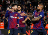 El Barça responde al Atleti a costa del Rayo