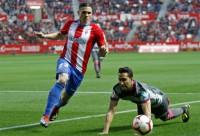 El Sporting priva al Granada del liderato y se acerca a los 'playoffs'