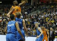 El Valencia Basket cayó en la prórroga (95-92) y aplazó el alirón en la Eurocup