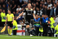 El Ajax también conquista Londres
