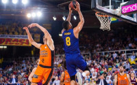 El Barça, sin fuelle ni liderato tras caer ante el Valencia Basket
