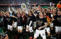 El valencianismo saborea la gloria once años después
