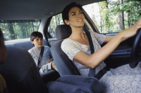 Consejos para aumentar la seguridad de los niños en los viajes en coche