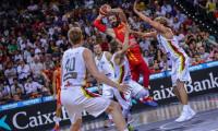 España vence a Lituania al ritmo de Ricky Rubio