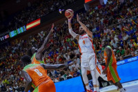España sube el nivel en el Carpena y vence a Costa de Marfil