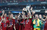 Adrián da la Supercopa al Liverpool