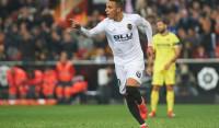 LaLiga está que quema: Barcelona, Atlético y Real Madrid están en dos puntos... y el Sevilla de Chicharito podrá ser líder