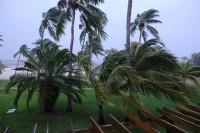 El huracán Dorian azota Bahamas y mata a 5 personas