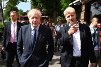 El hermano del primer ministro británico, Boris Johnson, renuncia al Parlamento por el brexit
