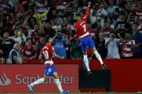 El Barça naufraga ante un Granada que duerme líder
