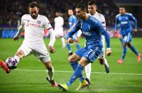 La Juve sale en problemas de Lyon