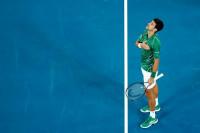 Djokovic no perdona a Tsitsipas y prolonga su buen comienzo de 2020 con el título en Dubai