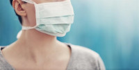 La OCU pide a Sanidad que aclare si va a recomendar el uso de las mascarillas a la población sana