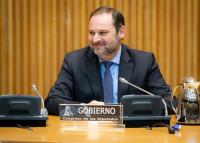 Greenpeace critica que Ábalos invite a usar el coche privado: