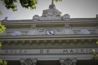 El Ibex 35 se dispara un 2,4% en la apertura, animado por la banca y el turismo