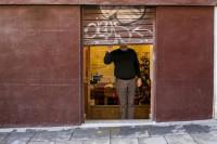 Dos de cada tres negocios abrieron en el estado de alarma y cuatro de cada diez hicieron un ERTE, según INE