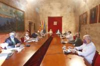 Negociación de los ERTE 'in extremis': Gobierno y agentes sociales se reúnen hoy para intentar el acuerdo