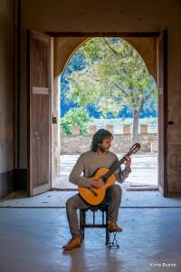 Entrevista al músico de guitarra española Toni Cotolí