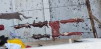 Cuelgan carnes de muertos en un tendedero, ¡y nadie hace nada!