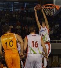 El Cajasol se lleva la victoria ante un Fuenlabrada dormido (75-84)