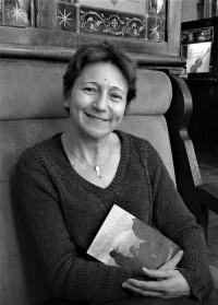 Ana García Herráez: «Trato de atrapar al lector a través de las emociones que transmiten los personajes»