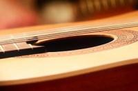 Luthiers, las más bellas notas en instrumentos únicos