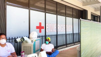 El coronavirus se dispara en EE.UU. mientras aumentan las tensiones sobre los planes de reabrir las escuelas