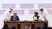 Estados Unidos y los talibanes firman un acuerdo para poner fin a la guerra