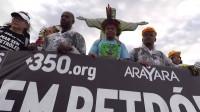 Brasileños protestan contra la mayor subasta de petróleo en la historia del país