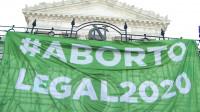 Argentina legaliza el aborto en una anhelada votación histórica