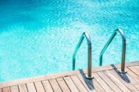 El sector de la piscina, a por otro verano de récord