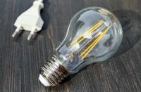 ¿Por qué sube tanto el precio de la luz y qué se puede hacer para evitarlo?