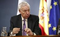 Margallo avisa a Londres que España siempre cumple la ley