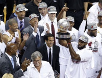 Lebron James y Chris Bosh llevan a Miami a la cuarta final consecutiva de la NBA