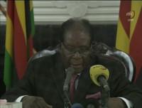 Mugabe no dimite y anuncia que se mantendrá en el poder al menos hasta diciembre