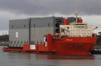 El administrador del Canal de Panamá se muestra