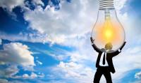 El precio de la luz obliga al 74% de los españoles a cambiar sus hábitos de consumo