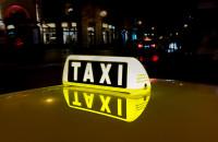 """La justicia da de nuevo la razón al taxi y tumba la intención de Uber de """"liberalizar las tarifas del  servicio"""""""
