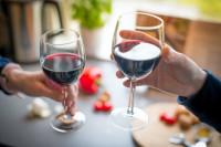 Cómo servir el vino como un auténtico sumiller y ser un perfecto anfitrión