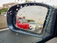 DANA y conducción: diez sanciones al volante relacionadas con lluvia y tormenta que puedes evitar