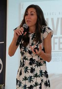 La periodista Raquel Roca presenta su libro