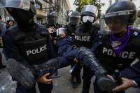 Muere un policía en los disturbios de Tailandia