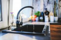 La factura del agua varía hasta un 479% según ciudades, con Ceuta y Murcia con el precio más alto y León el más bajo
