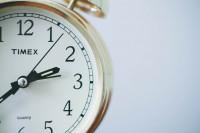 Suprimir el horario de verano reduciría los accidentes de tráfico y los infartos un 10%