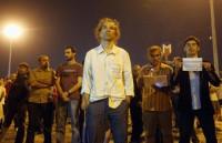 Detenido un hombre tras pasar seis horas inmóvil en la plaza Taksim