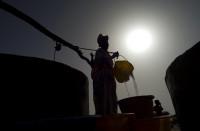 La mujer provee el agua en ocho de cada diez lugares en el mundo
