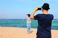 El 87% de los españoles considera el móvil como un objeto imprescindible en vacaciones