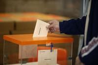 Los votantes de Podemos, los catalanes, los vascos, las mujeres y los jóvenes son los más críticos con España
