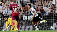El Valencia por fin gana en Mestalla y Osasuna frena al Villarreal